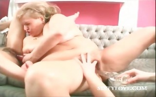 hardcore lesbian 5some with slit dildoing