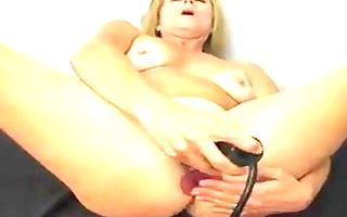 beauty-mom and her orgasm