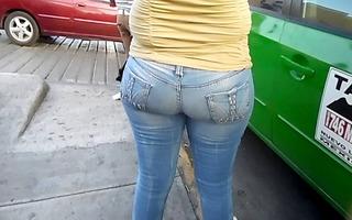 large butt mature (q-lona)