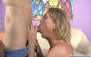 double oral-job by mother and not her daughter