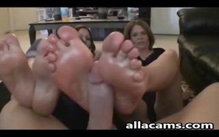 mother daughter&#266 s friend footjob