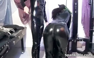 excited beauty in latex gets her sexy wazoo