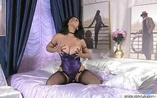 giant pointer sisters on older in nylons wanking