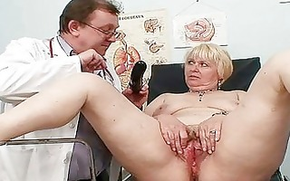 chubby blonde mommy unshaved fur pie doctor exam