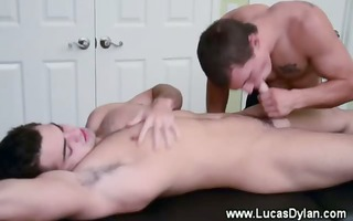 massage turns into cock blowing session betwixt