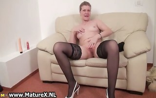 older housewive is licking large part0