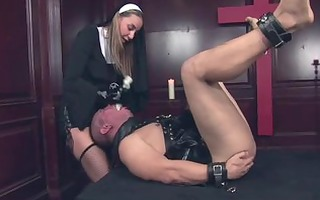 mastix belt on sado wench - scene 8 - robert hill