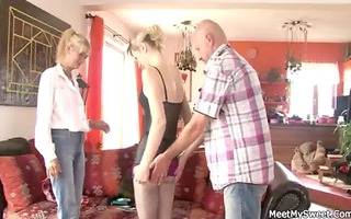 he is finds his gf riding his dad&#4101 s