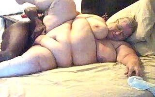 hot linda having pleasure pt 1