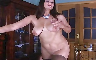 wicked d like to fuck baring her curves for