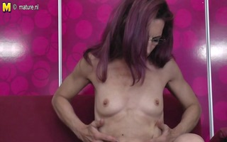 old slim mother can not live without anal and