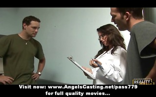 sexy dark brown assistant does oral pleasure and