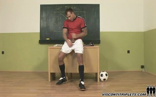 jason visconti wanks off his hard meat in his