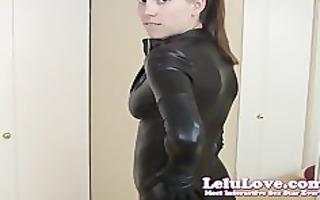 lelu lovecatsuit mirror giving a kiss