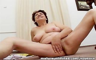 shaggy lady masturbating