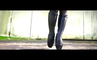 marvelous ballet-heel boots