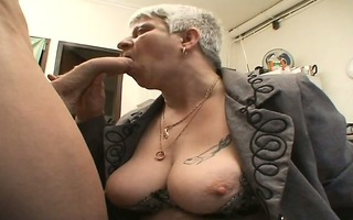 murielle a corpulent french older in a threesome