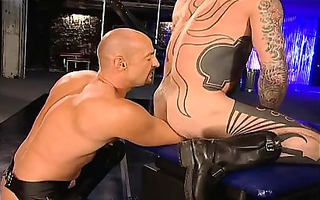 versatile fist-pigs rik and bud do a 52 with a