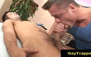 massage chap gives homo tugjob during massage