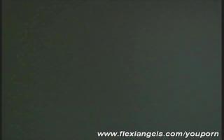 glamour star flexi diana posing for flexiangels