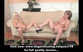 lesbo three-some with blondes licking cunt and