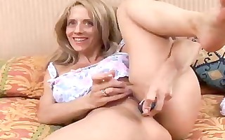 hot d like to fuck copulates her juicy cunt for