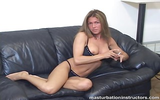 femdom-goddess shows her mangos and rubs herself