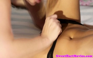 riley reid and sovereign syre licking box