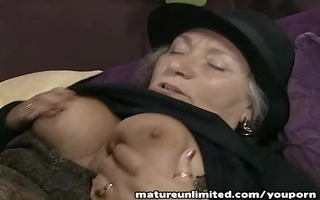 older lady momm gets fuck in booty