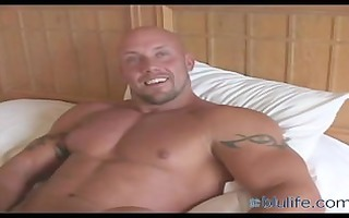 muscle daddy jerk off on daybed