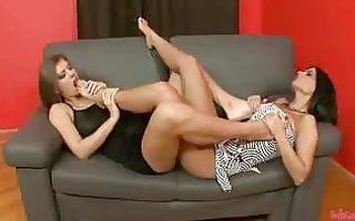 hawt lesbian foot worship