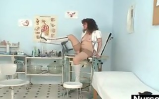 mature non-professional lady extremly unshaved