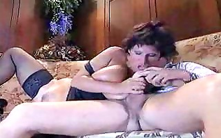 italian aged aunty fucking with young lad