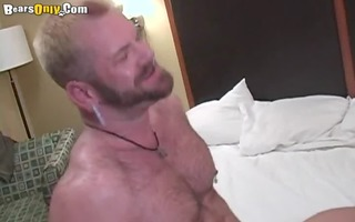 blonde bear t live without to pummel
