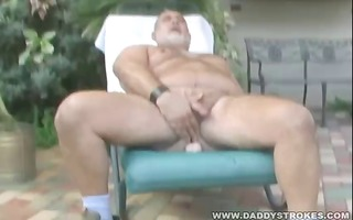 bulky dad mark jerking off