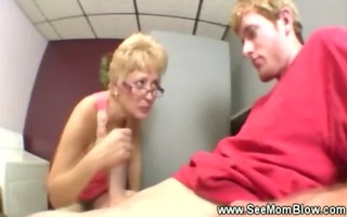 mature d like to fuck getting moist from