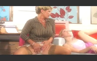 mature mama and daughter fucking lad