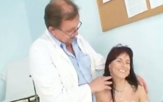 livie gyno milf cunt speculum exam on gynochair