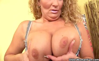 aged mamma with big love melons fucks her