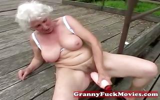 check out this messy grandma