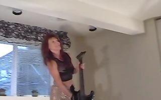 marie shadows likes her guitar - teach wreck