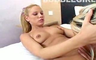 hot sexy chicks having bedroom joy :)