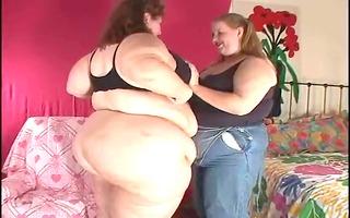 chubby sweethearts claudia and amanda (lesbians)
