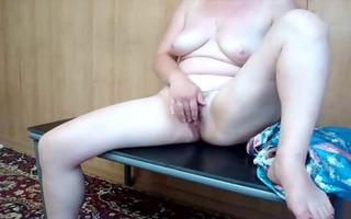 older sexy milf selfshot masturbation
