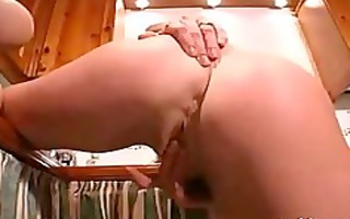 brit mother i lisa toying
