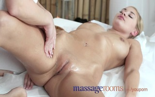 massage rooms hawt lesbians oil every others